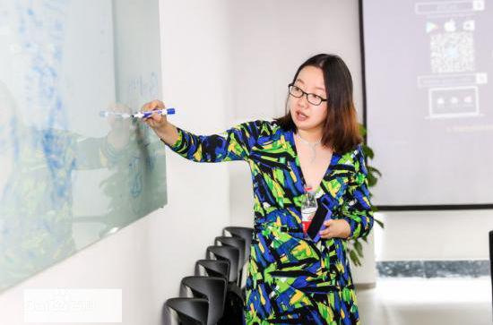"""蜜芽CEO刘楠:零售在突破边界 竞争不再是""""一条线"""""""